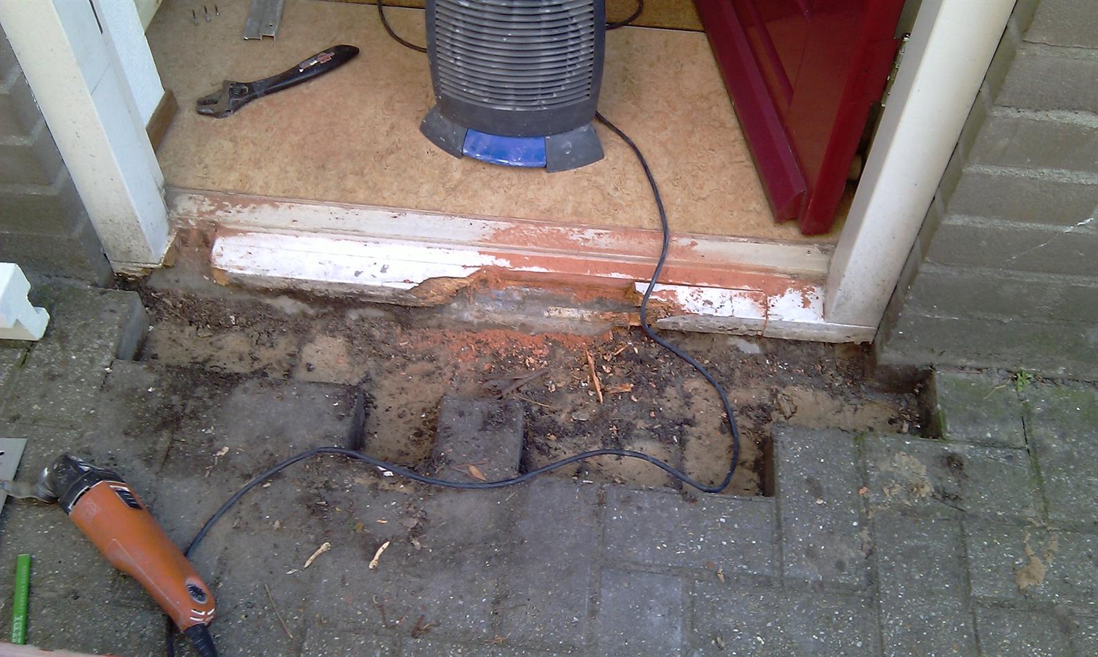 herstellen houten onderdorpel voordeur