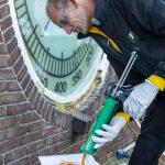 Schildersbedrijf Noom restaureerde peilhuisje in Wemeldinge
